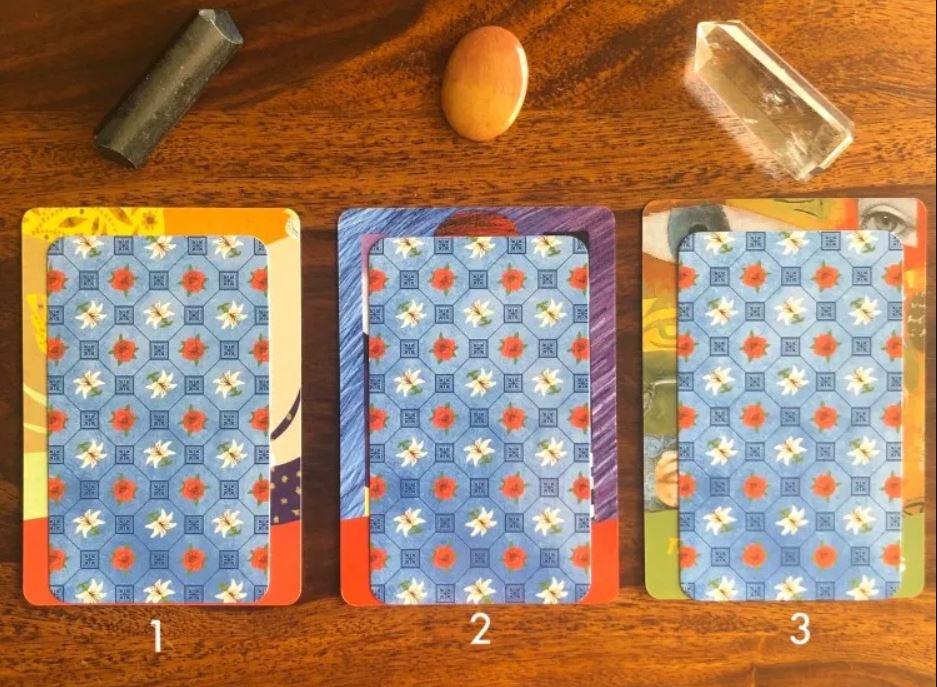 Válassz egyet a csodálatos kártyák közül és tudd meg mi vár rád hamarosan!