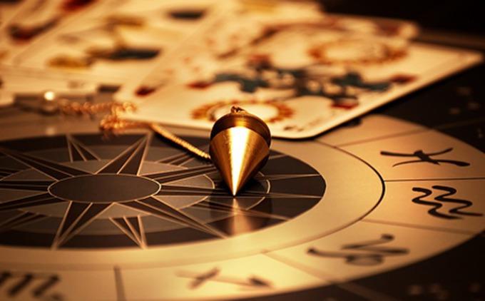 Napi horoszkóp október 1. csütörtök – Valami történik a mai napon, ami sok dolgon változtat majd!