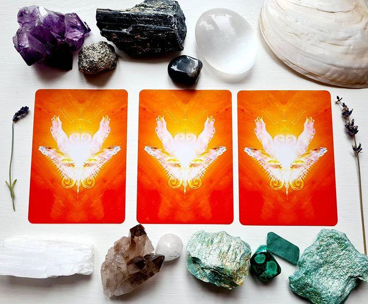 Válassz egy mágikus kártyát és tudd meg milyen fontos üzenetet rejt számodra!