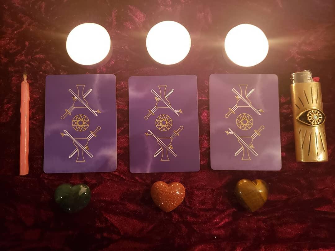 Válassz egyet a mágikus kártyákból és tudd meg, hogy mit üzennek Neked!
