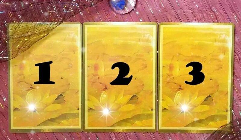 Az egyik kártya varázslatos üzenetet tartogat a számodra – nyisd meg a neked szánt üzenetet!